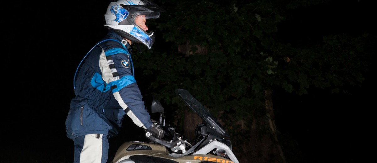 How to Stand on a motorcycle © Brake Magazine 2015